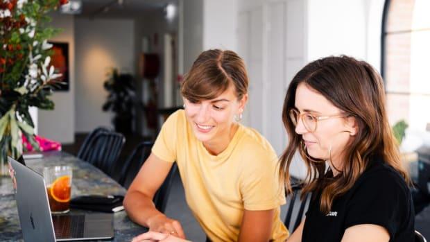women-using-laptop-3277806+(1)
