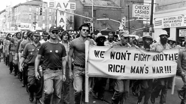 Vietnam-Veterans-Against-War-cc-img