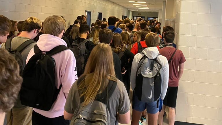 GEORGIA HIGH SCHOOL REPORTS 9 COVID-19 CASES AFTER PHOTO GOES VIRAL