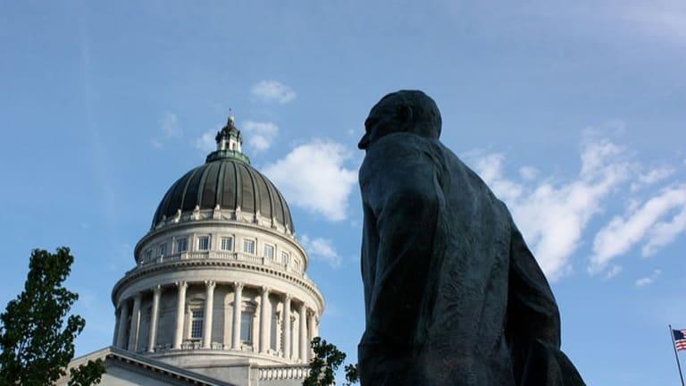 Lobbyists bankroll effort to stop lobbyists from gifting legislators