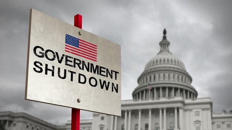 "Shutdown: US Government tells furloughed employees to ""barter"" for their rent"