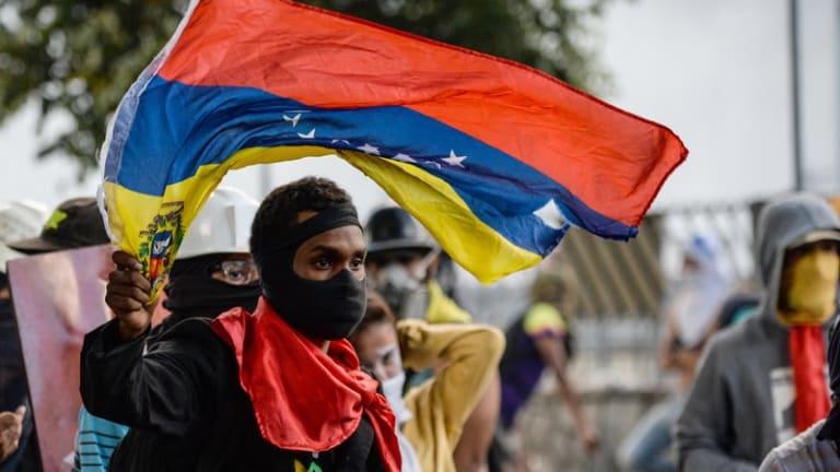 ULTIMA HORA: Asamblea Nacional de Venezuela llama a un golpe de estado