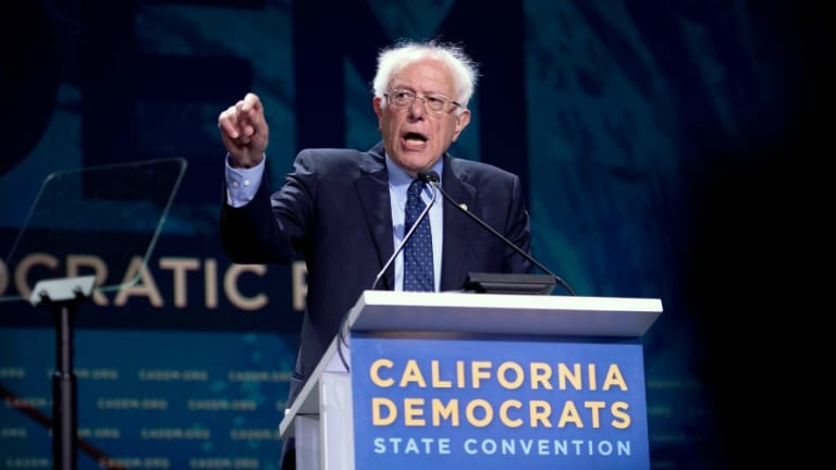 #NoMiddleGround! Progressives Decry Democrats Compromise on Critical Issues