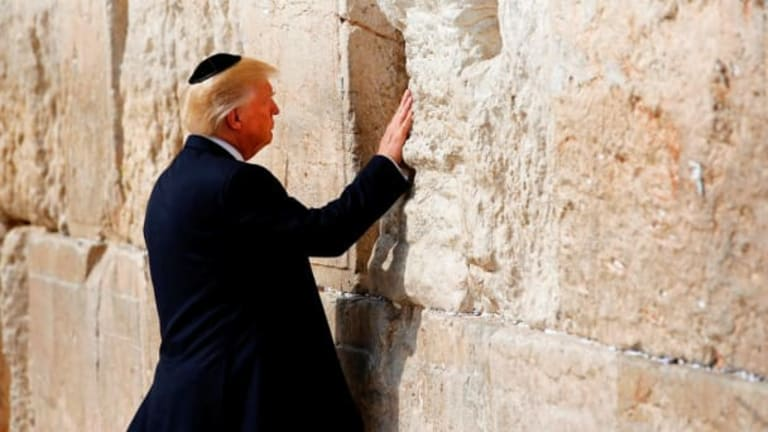 At Mar-a-Lago: Trump Whines That Jews Still Vote For Democrats