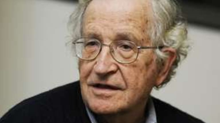 "Chomsky Explains How Social Media ""Undermines Democracy"""