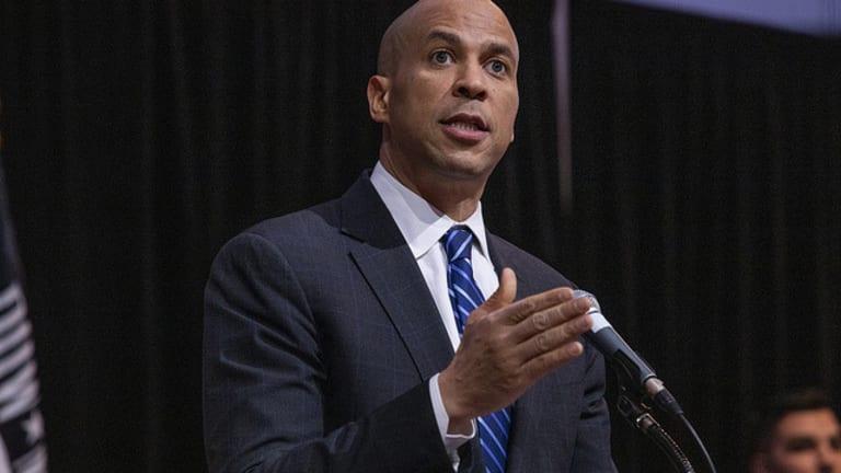 Establishment/Corporate Democrats Aren't Winning Any Swing Voters