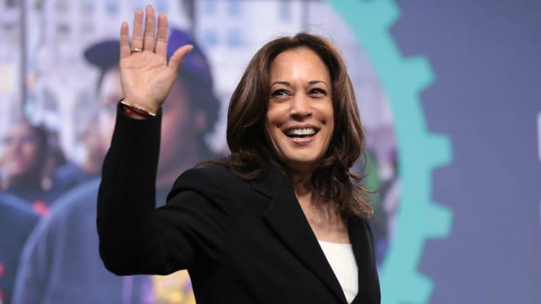 Neoliberals gonna Neoliberal: Kamala Harris Healthcare Plan Privatizes Medicare