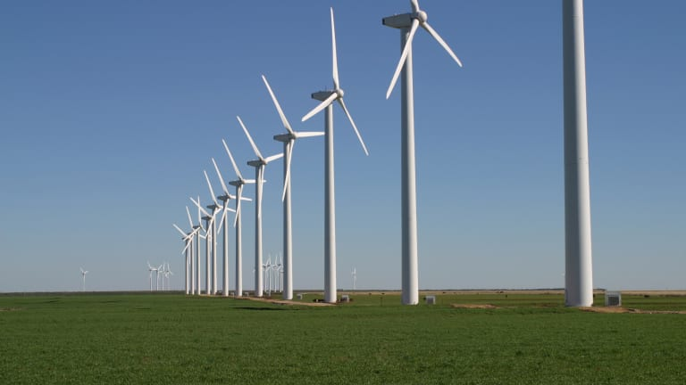 Costs Less to Build Wind Farm Than to Keep a Coal Plant Running