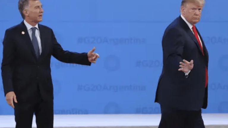 Trump Greets Argentinian President Mauricio Macri, Promptly Walks Off Stage