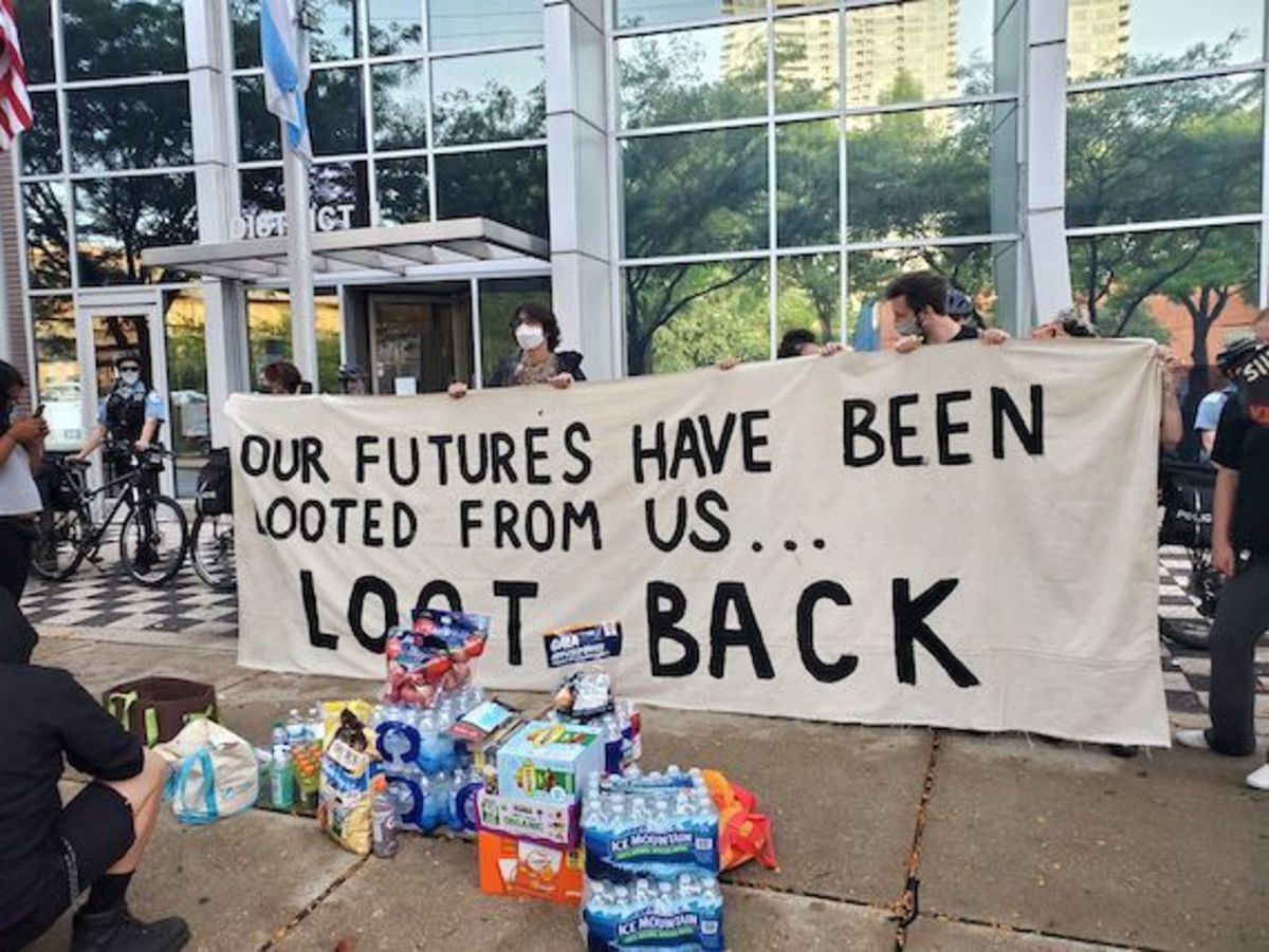 futures_looted_blm_sign